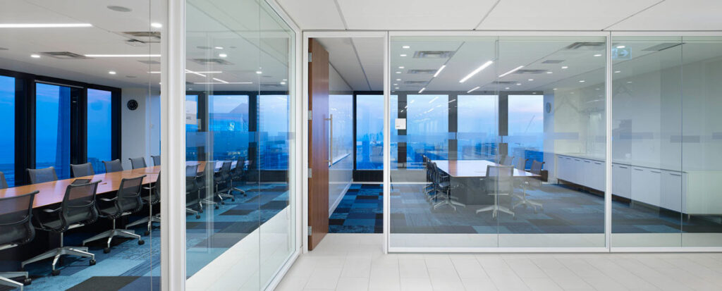 Board rooms and meeting rooms are placed along the exterior walls, ensuring all staff have access to the amazing views from the 44th floor.