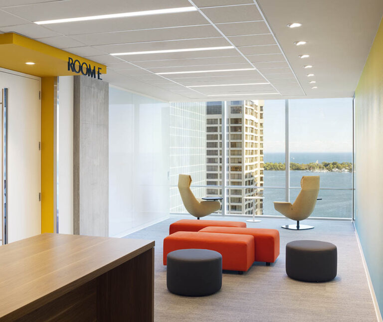Meeting anteroom with a view of Toronto